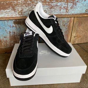 Nike Airforce 1 '07 Black & White Sneakers